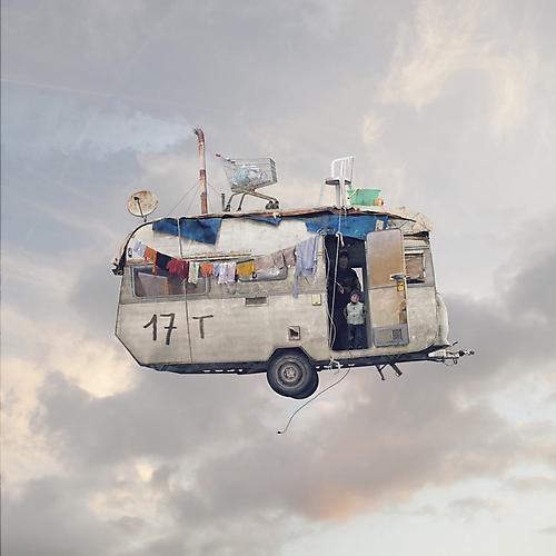 FLYING_HOUSES_11_L_CHEHERE_CARAVANE2